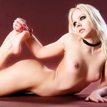 Play Naked Avril Lavigne Puzzle free sex game now!