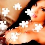 Spēlēt Kailā Selena Gomez Seksa Mīkla  tagad!